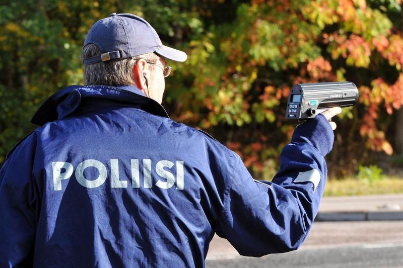 Poliisi_tutka_